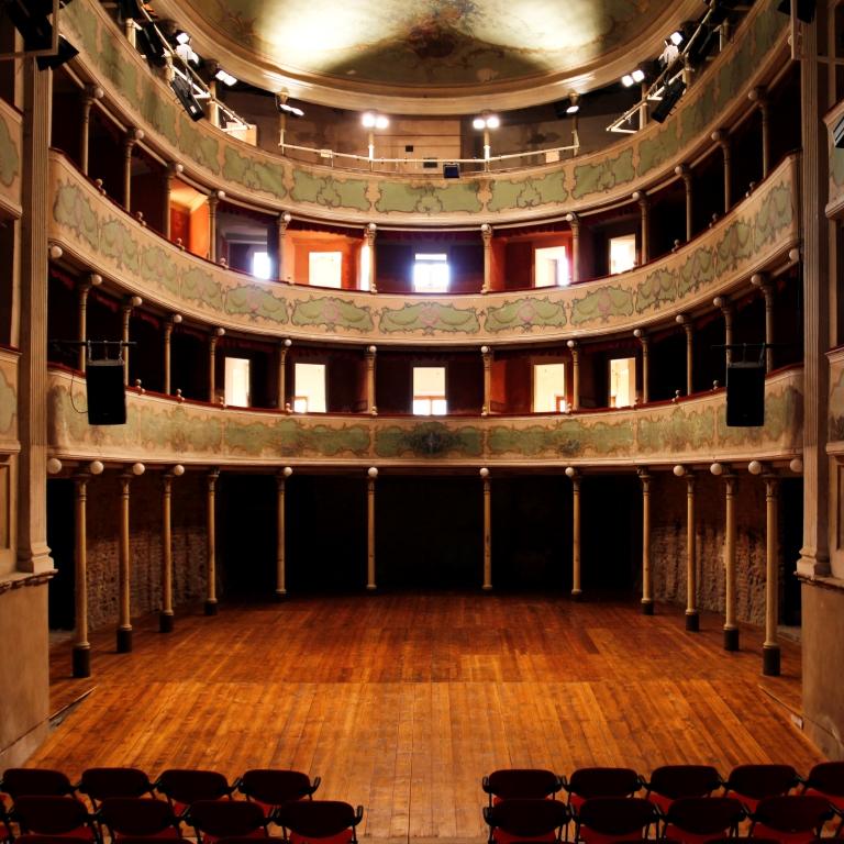 Teatro sociale di gualtieri teatri della provincia di - Gualtieri mobili reggio emilia ...
